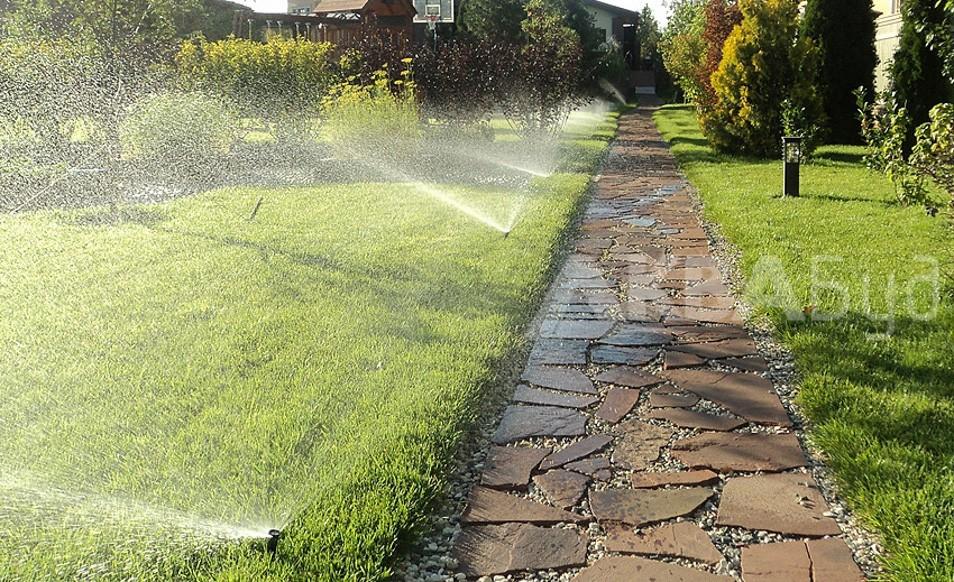 Автоматический полив лужайки