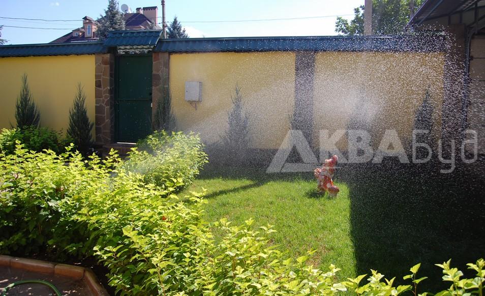 Автополив газона перед домом