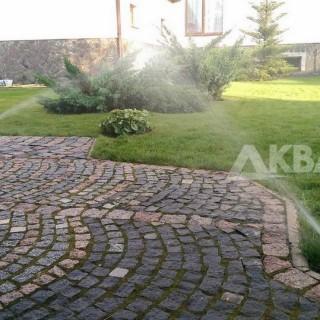 Автоматический полив газона роторными дождевателями
