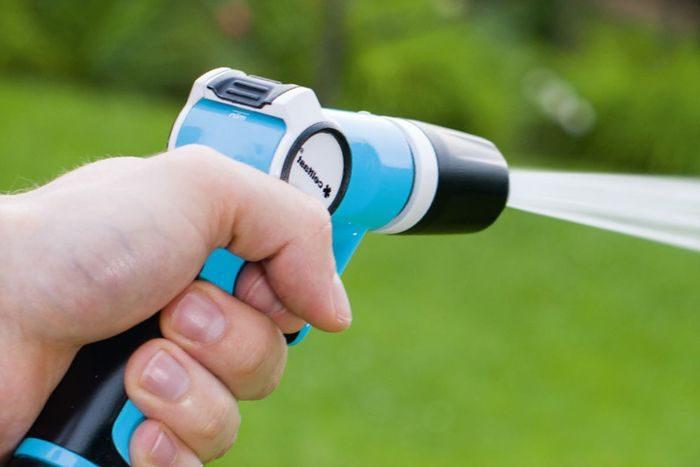 применение пистолета для полива Cellfast ERGO прямого действия