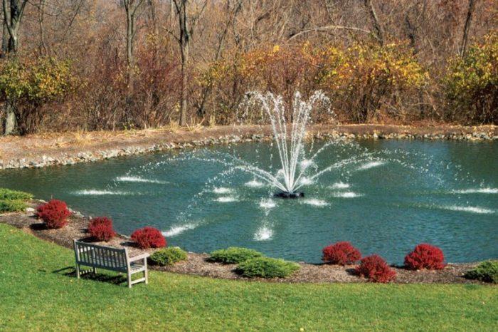 Аэрационный фонтан Genesis от Otterbine в парке