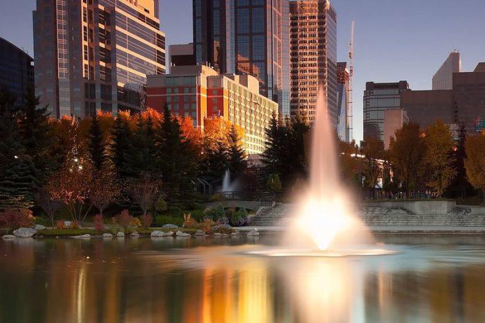 Аэрационный фонтан Tristar от компании Otterbine установленный в жилом районе